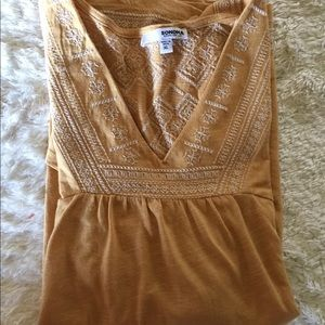 Tops - BoHo Embroidered Top